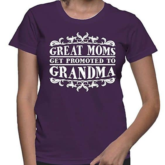 How cute is this Great Moms Get Promoted to Grandma Shirt?  A fun gift for the first time grandmother...or a clever way to let Mom know you're pregnant!