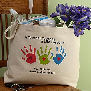 Christmas Gift Ideas for Teachers - Impress your favorite teacher (and move your child to the head of the class) with a sure-to-impress Christmas gift. Adorable personalized tote is perfect for ferrying all those books and papers back and forth from home to school...a useful Christmas gift for any teacher!