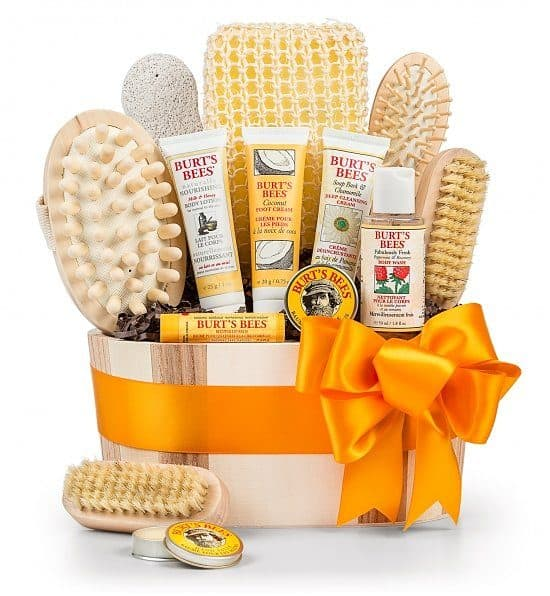 Spa gift basket - Pamper the stressed woman with a beautifully soothing spa gift basket!