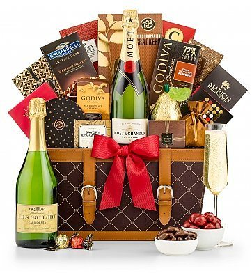 Happy Holidays Champagne Gift Basket