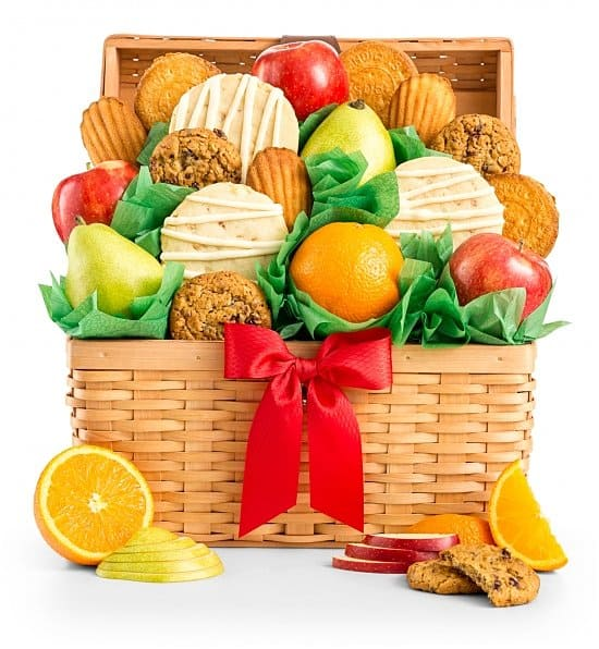 Birthday Gift Basket Ideas - Treat someone special to this delightful fruit and cookies gift basket!