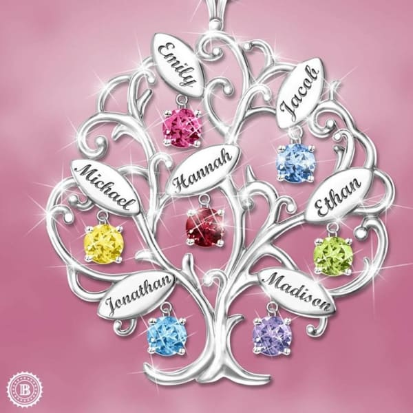 Sterling Silver Family Tree Necklace with Names and Birthstones - Looking for a memorable gift for Mom or Grandma?  Delight her with this sparkling family tree necklace - the perfect gift for Mother's Day, Christmas, or her birthday!