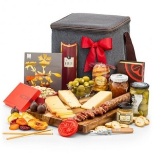 Artisan Cheese & Gourmet Snacks Gift Hamper